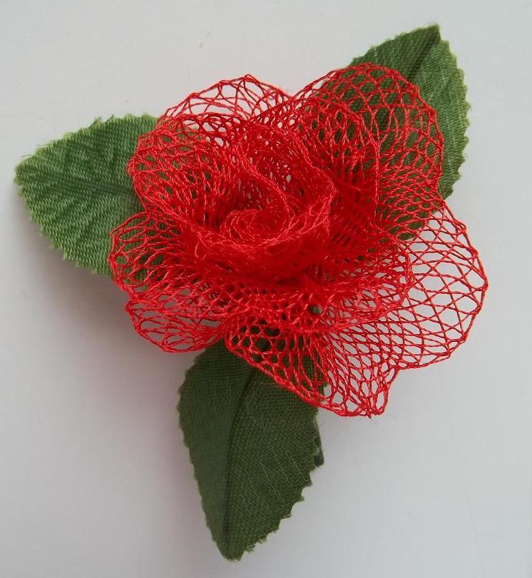 pin fleur au crochet en laine turquoise perles par les fees papillons on pinterest. Black Bedroom Furniture Sets. Home Design Ideas